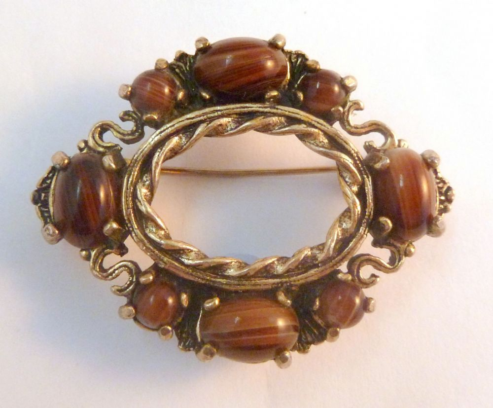 Vintage Miracle Scottish Style Mock Agate Stone Brooch